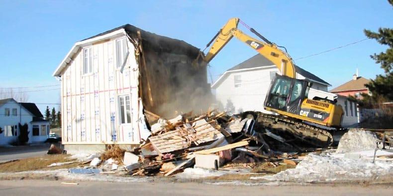 Comment faire démolir une construction illégale ?
